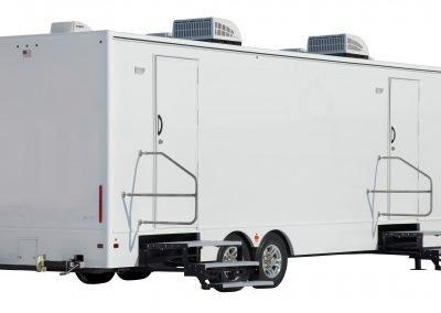Shower and Restroom Trailer Rentals 28 Ft Shower Trailer Exterior 400x284 - 8 Station Shower Trailer
