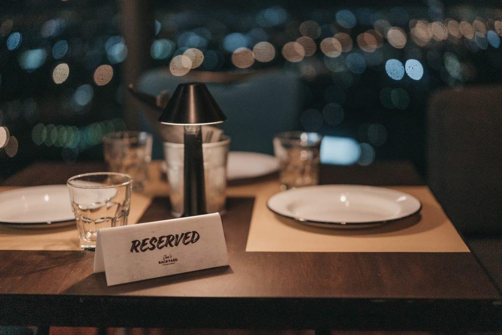Shower and Restroom Trailer Rentals fine dining 1024x683 - Better Restrooms = Better Business